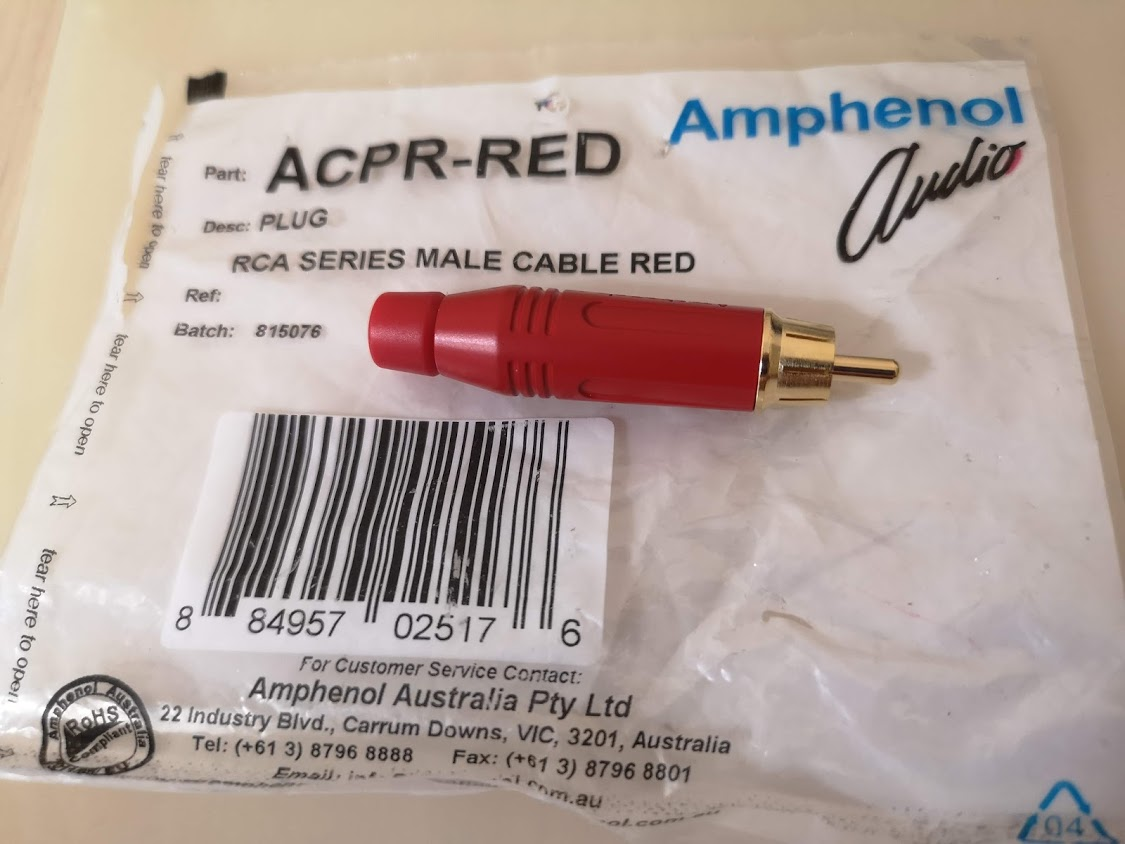 RCA connector amphenol